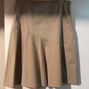 Gap Juniors Size 6 Khaki Side Zip Skirt